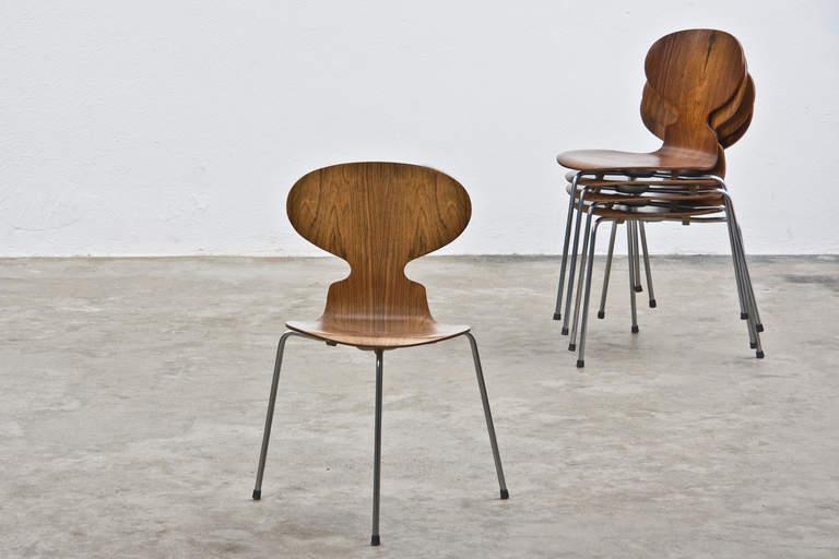 la ant chair d 39 arne jacobsen simple et ind modable. Black Bedroom Furniture Sets. Home Design Ideas