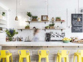 La chaise de bar, nouvel objet tendance de nos cuisines.