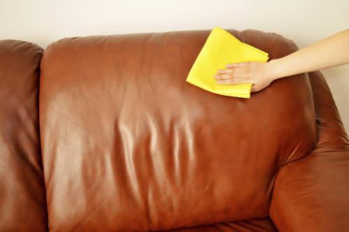 comment-entretenir-nettoyer-cuir-fauteuil-canape
