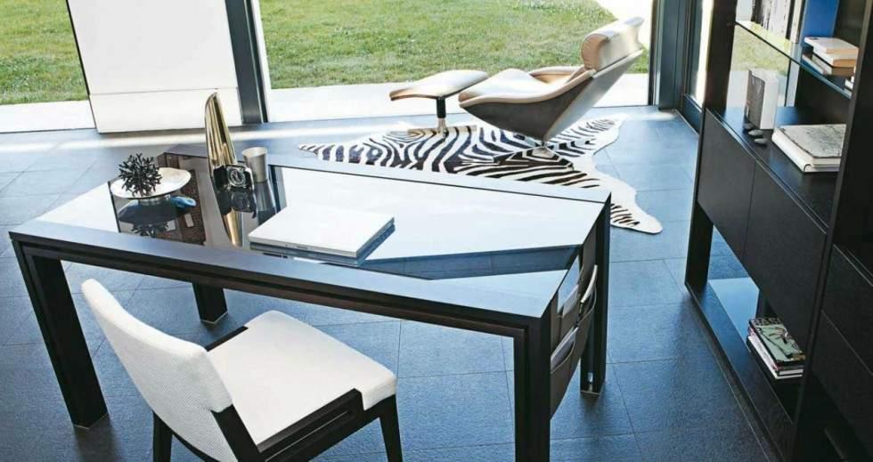 les bureaux en verre un design aux nombreux avantages. Black Bedroom Furniture Sets. Home Design Ideas