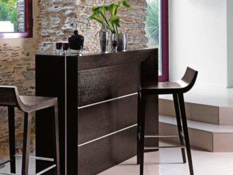 Créez une atmosphère différente avec un meuble-bar.