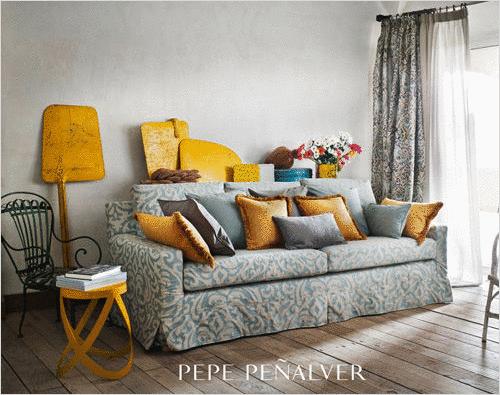 mettre en valeur votre canap. Black Bedroom Furniture Sets. Home Design Ideas