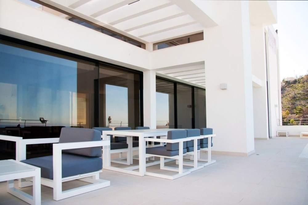 La perle de la m diterran e une r sidence de r ve - Deco terrasse la terrasse de style iles grecques et mediterraneen ...