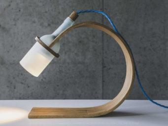 Quercus, une lampe durable par Max Ashford