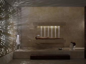 La douche horizontale par Dornbracht