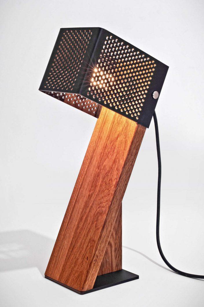 oblic_table_lamp_jonathan_dorthe_01