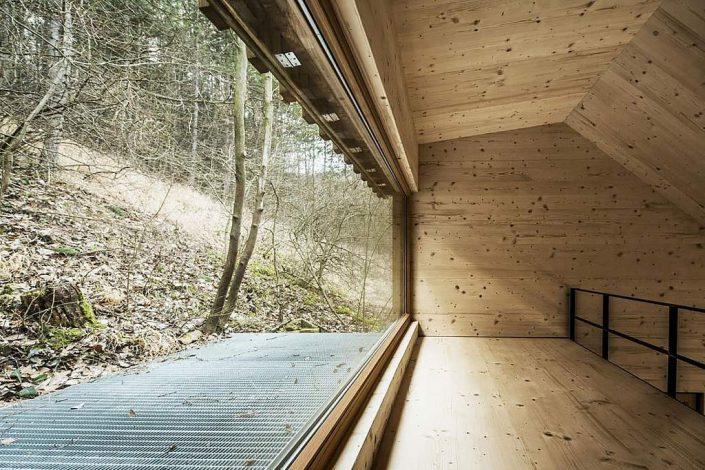 toms-hut-an-austrian-cabin-in-the-woods-11-1024x682