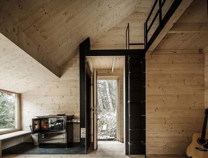 toms-hut-an-austrian-cabin-in-the-woods-12-1024x777
