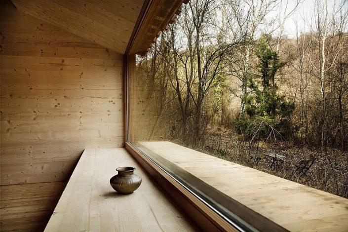 toms-hut-an-austrian-cabin-in-the-woods-9-1024x682