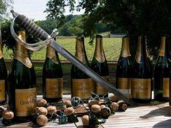 Sabrer le champagne : ustensiles et conseils
