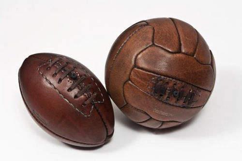 Ballon_De_Football_John_Woodbridge