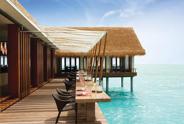 reethi-rah-maldives-hotel-luxe-design-restaurant-spa
