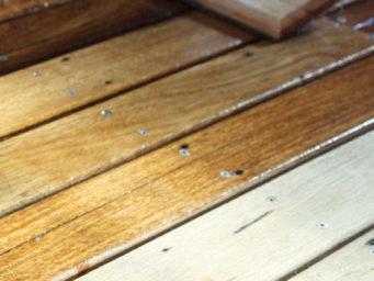 3 Astuces pour changer de manière efficace la couleur d'un parquet en bois