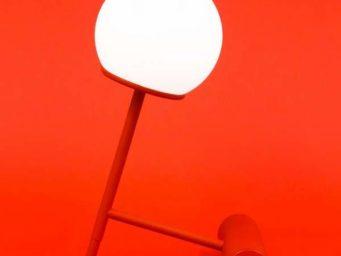 'Phare' : la lampe design mobile signée Stanis?aw Czarnocki