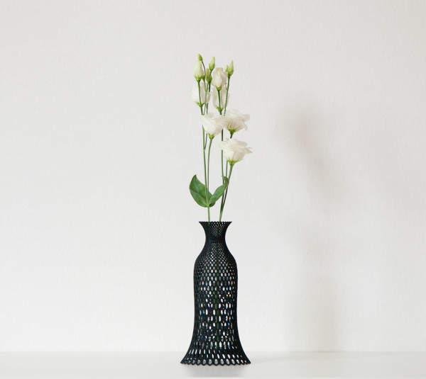 3D-Printed-Vases-Libero-Rutilo-7-lace-vase-600x535