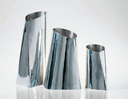 Vase métalique