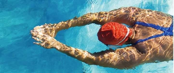 piscineshop-x-accessoires-indispensables-pour-la-piscine