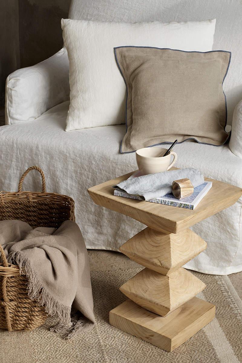Zara home pr sente sa collection automne hiver for Cubre canape zara home
