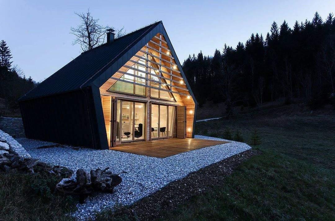 the-wooden-house-une-maison-en-plein-coeur-dune-foret-slovenienne