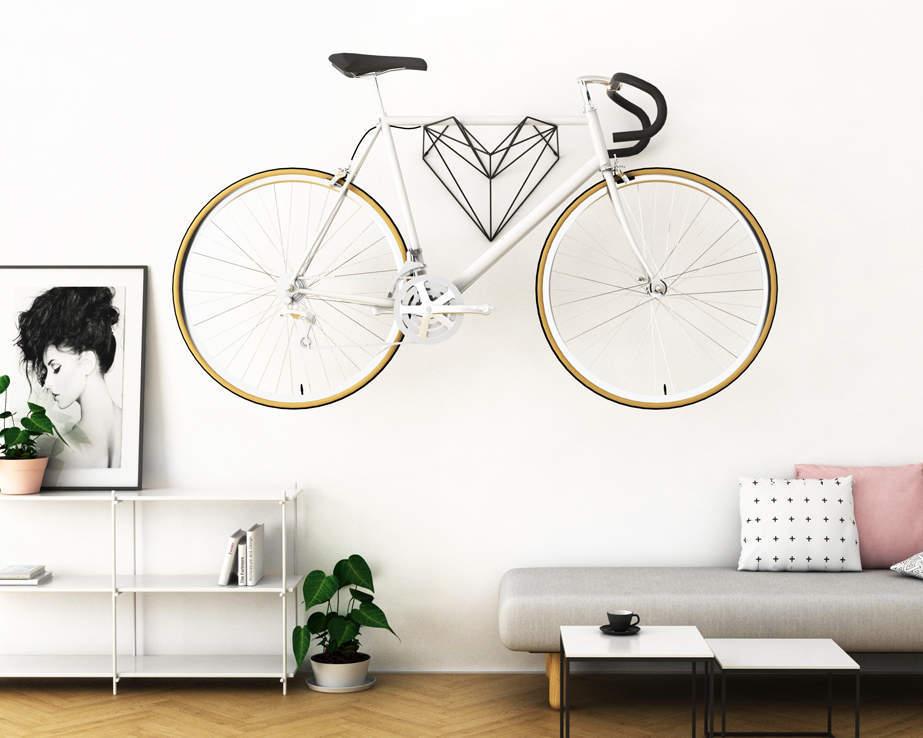 hang-bike-ou-lart-de-suspendre-son-velo-avec-classe