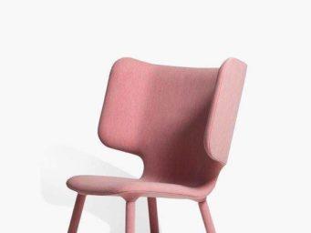 Le fauteuil à oreilles reste un intemporel dans la décoration intérieure