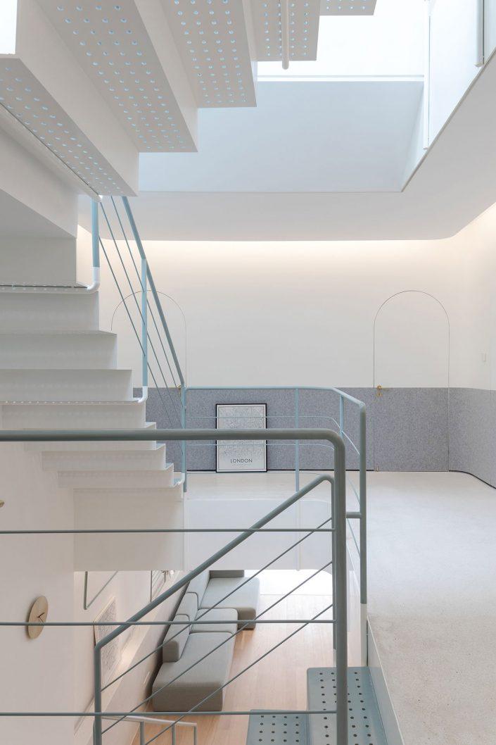 autre point de vue pour les escaliers