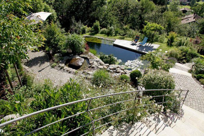 incroyable vue sur une piscine dans une pent