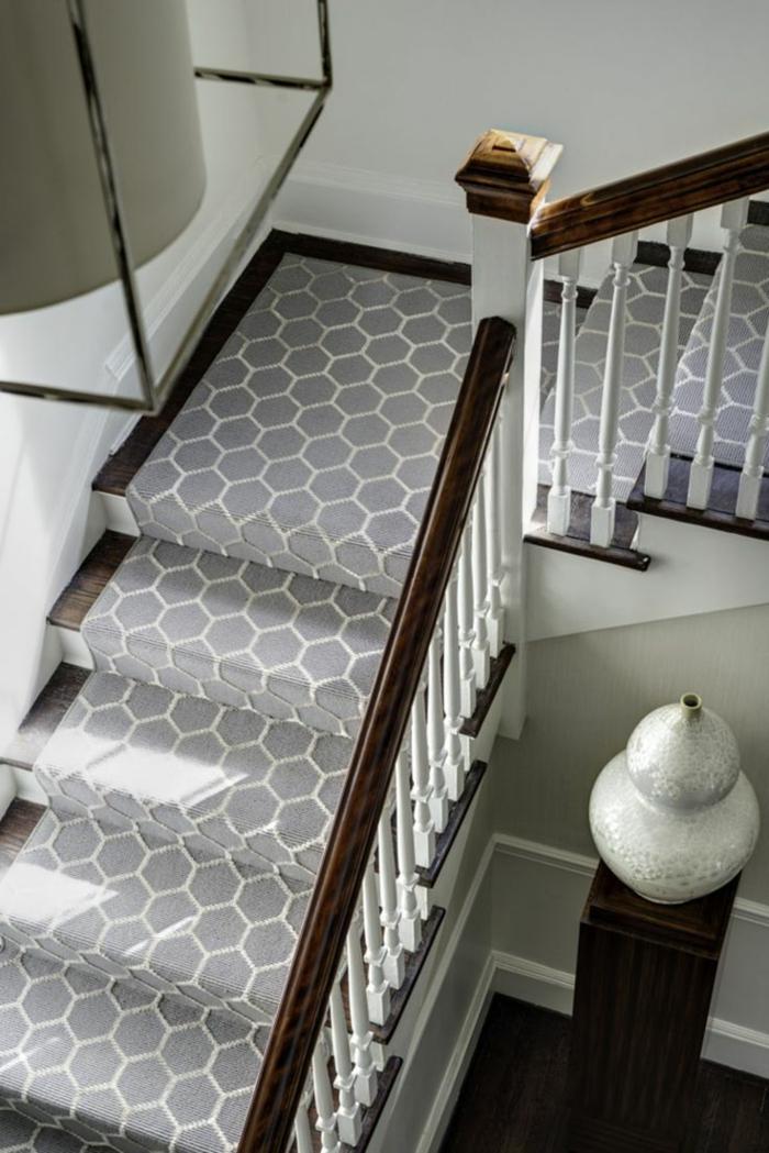 motif d'alvéoles pour tapis d'escalier moderne