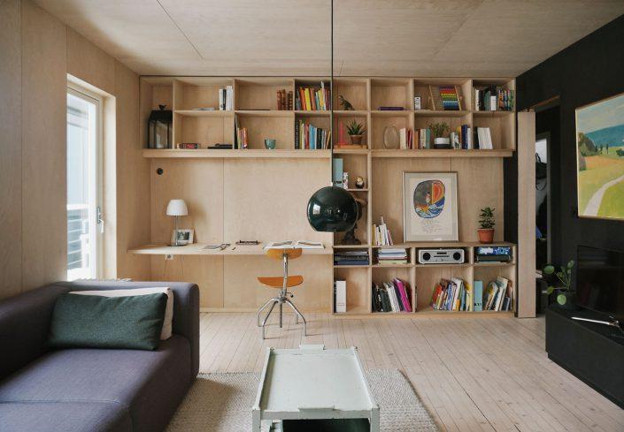canapé 3 places à gauche et aà droite le meuble télé