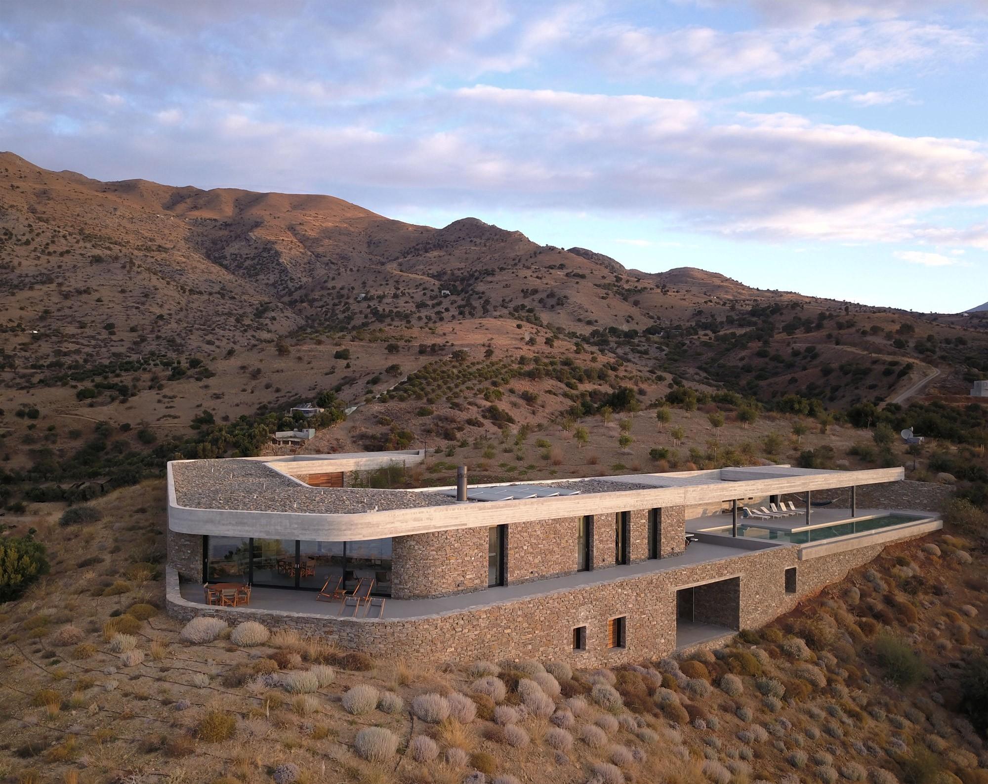 La ring house une magnifique demeure grecque dans un - La demeure moderne gb house par mmeb architects ...