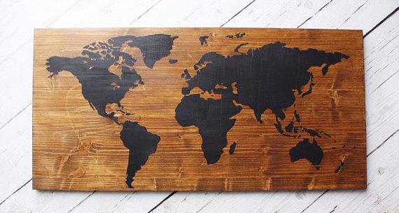 tableau en bois carte du monde