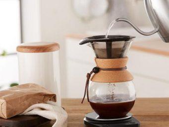 La cafetière Pour Over : une pause caféine de qualité dans la logique du Slow Coffee
