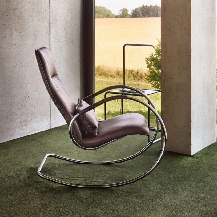 Chaise a bascule modern pour le salon