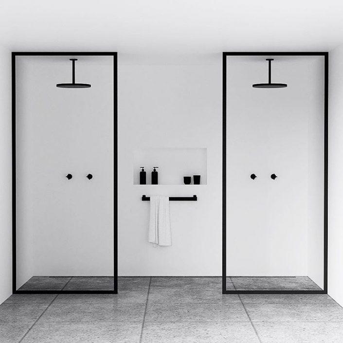 Un cadre moderne et minimaliste dans la salle de bain, par le studio ...