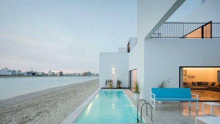 Separation entre la residence et la plage