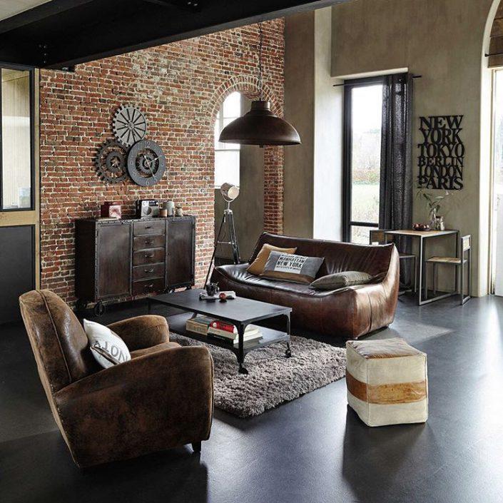 fauteuil club dans un salon moderne