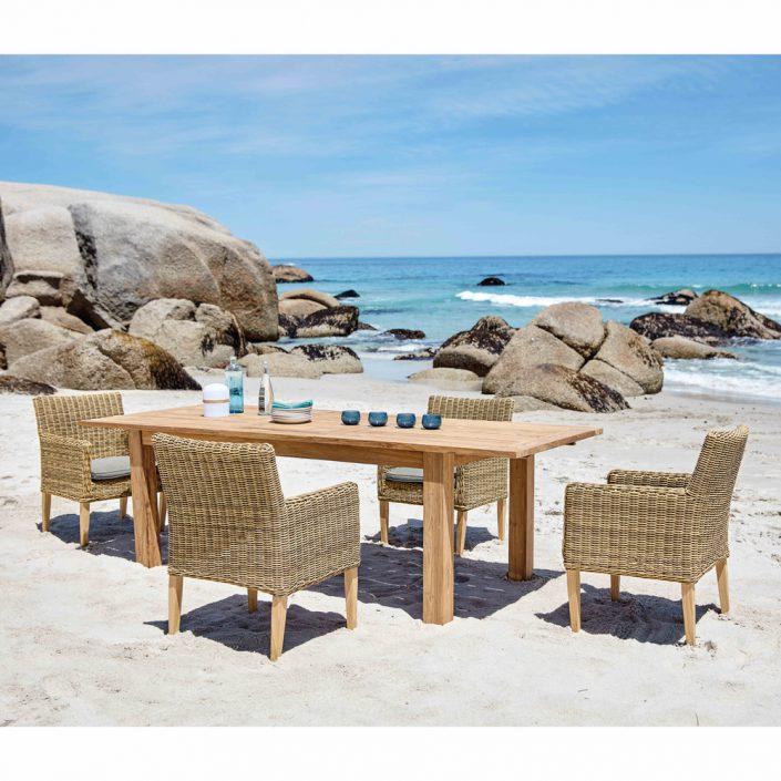 Table Cassiope sur la plage