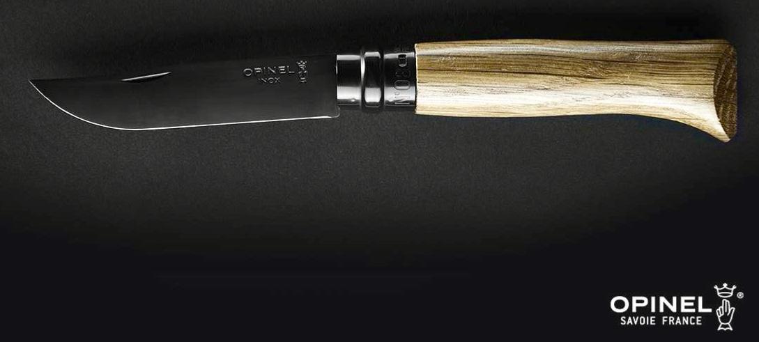 Le nouvel opinel n°8 avec une lame noire et une manche en chêne