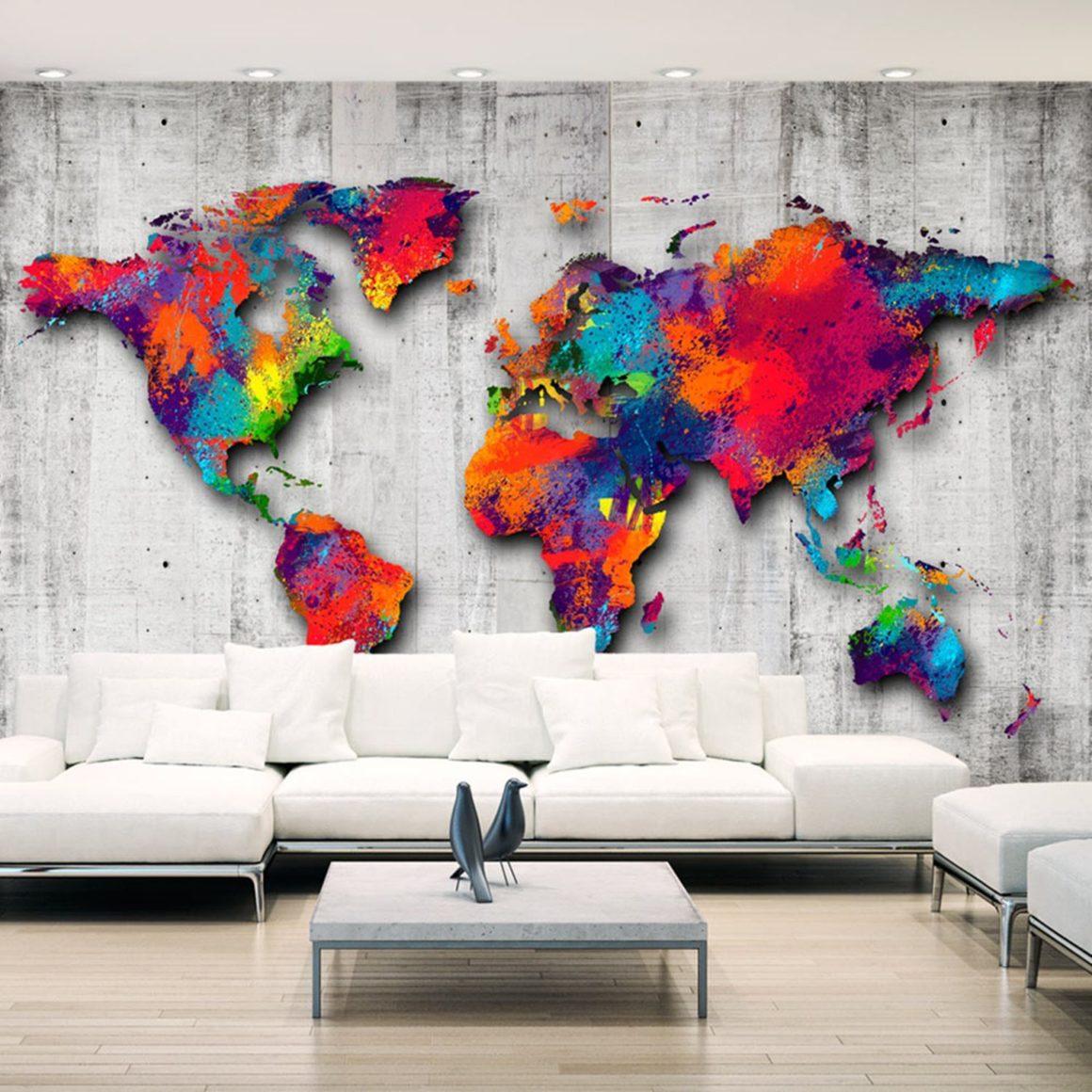 Carte du monde colorée sur papier peint panoramique béton salon design
